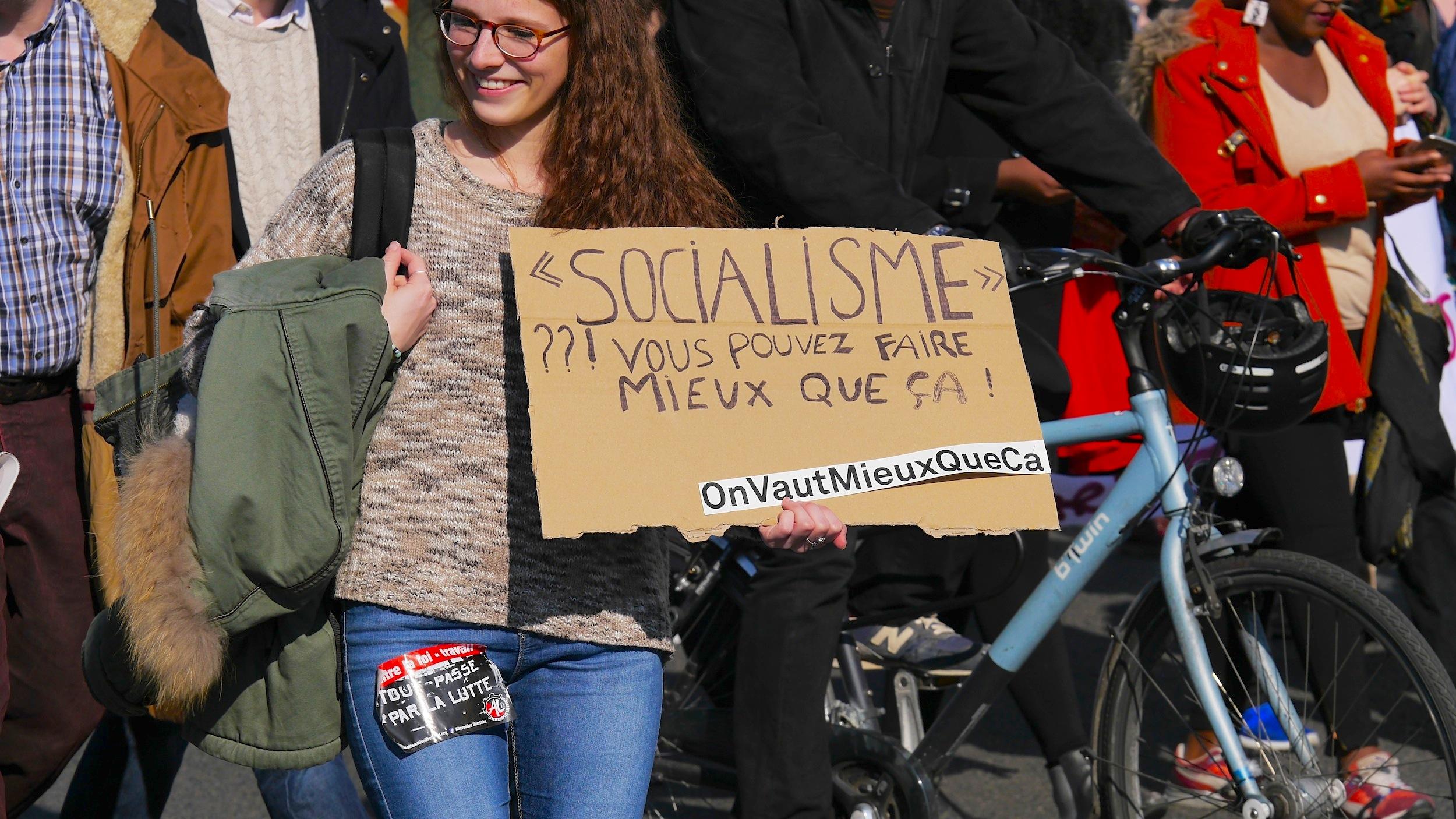 «'Socialisme' ?!! Vous pouvez faire mieux que ça! OnVautMieuxQueÇa»